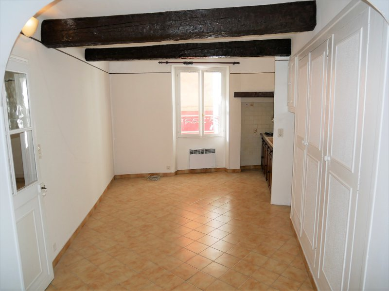 Vente  Commerce  82 m2